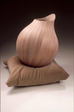 walnut-vessel